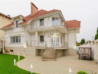Se vinde casă NOUĂ, Premium, sect. Buiucani! Imobilul este amplasat ..