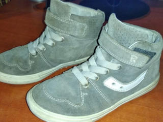 Детская обувь (кроссовки, ботинки, сандалии) разных размеров
