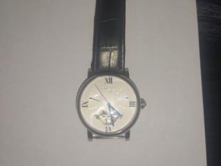 Продам оригинальные фирменные часы