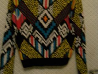 Продам кофты и свитера размеры: S- недорого и детские шапочки