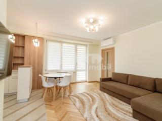 Vă prezentăm un apartament spre chirie, cu o planificare comodă și ...