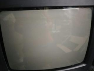 Продам телевизор LG CT-14F60K 14'' с настенной подставкой