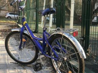 Продаются в отличном состоянии 2 велосипеда : подростковый за 1000