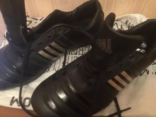 Фирменная обувь adidas