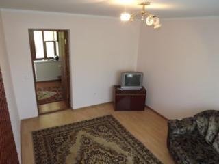 Floreni, casa cu 2 nivele, de doar 114 m2 pe 10 ari, cu beci, garaj