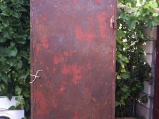 Металлическая дверь; Лестница АЛЮМИНИЕВАЯ для строительных работ.