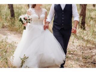 Продам невенчанное свадебное платье со шлейфом