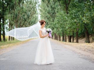 Б/У Нежное свадебное для невысокой невесты.