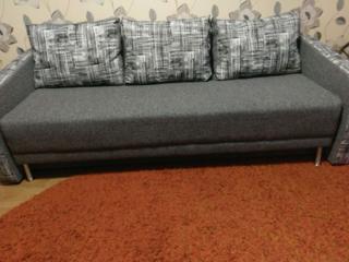 Диван еврокнижка в хорошем сост., спальное место как большая кровать