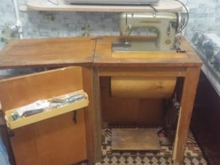Продам швейную машинку б\у