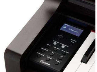 Yamaha CLP 645 - 88 clape - lemn natural - 256 note - 36 voci - LCD