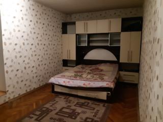Центр города, Негруцци, 2-комнатная, теплая, котельцовый дом!