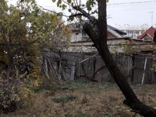 Участок 6 соток фасадный. Вильямса ул. Киевский район. Торг уместен.