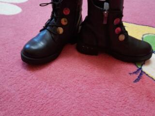 Натуральная кожаная обувь на девочку размер 30,32,33,34.Идеальное.