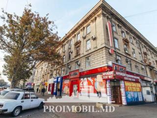 Spre chirie se oferă spațiu comercial, Centru, bd. Ștefan cel Mare, ..