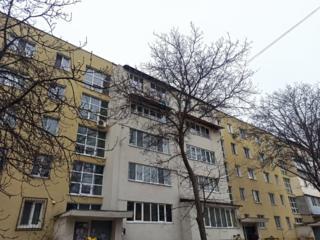 Ст. Почта, 102 серия, балкон на комнату и кухню, очень теплая!