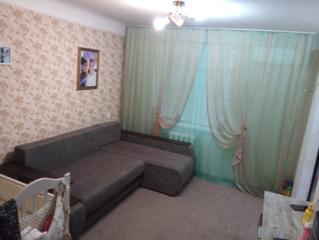 Продам двухкомнатную квартиру частично с мебелью