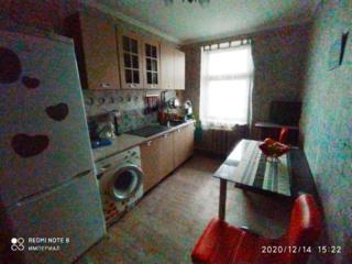 """Продам 3 комнатную """"чешку"""" в районе Автостанции, в Первомайске."""