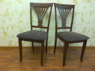 Продаются стулья и трюмо