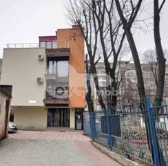 Se oferă spre chirie oficiu în sectorul Râșcani, pe bd. Moscovei. ...