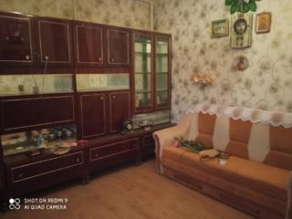 Продам 2-комнатную квартиру на Слободке