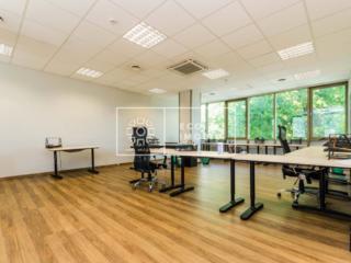 Spațiu de birou de închiriat la etajul 3 Panorama Business Center! ...