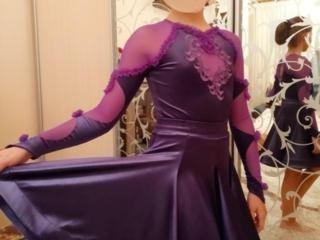 Продам профессиональные платья для спортивно-бальных танцев на 8-10лет