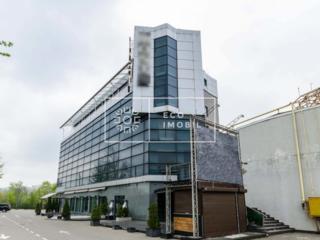 Spațiu de birouri de închiriat la etajul 3 Parcare mare pentru 50 de .