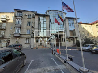 Se dă în chirie, oficiu, sectorul Centru str. Armenească. ...