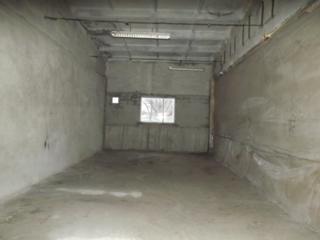 2 склада по 70 кв. м. с прилегающей территорией, по 35 лей за кв. метр