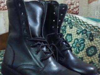 Продам новые кожаные зимние ботинки на меху 43-43р и сварочные ботинки