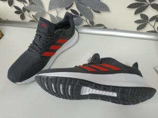 Продам кроссовки adidas размер 44-45