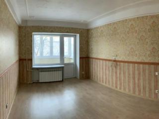 Продам 1 комнатную квартиру Калининский р-н ДИК