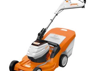 Продается аккумуляторная газонокосилка STIHL RMA 448 PC