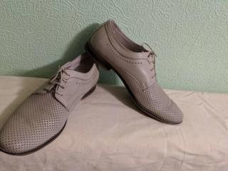 Продажа демисезонной, летней и домашней мужской обуви.