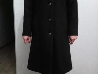 Срочно шерстяное пальто зимнее новое,