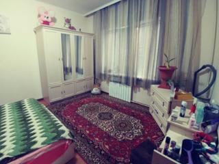 Продается 2 комнатная квартира в Центре р- н Счастливого мира