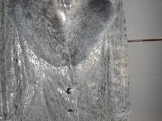 Продаю женскую куртку натуральная кожа с песцовым воротником.