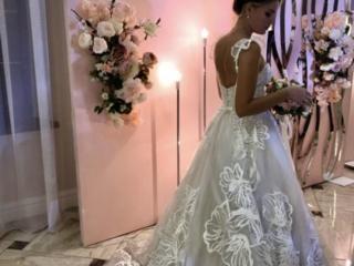 Продаётся восхитительное платье