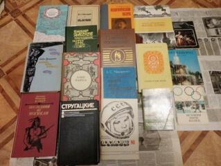Ветеринарная энцикл., школ. учебники, книги по искусству, худож. лит-ра