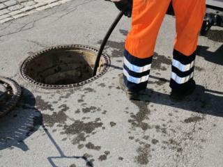 Чистка канализации - Desfundarea canalizarii.