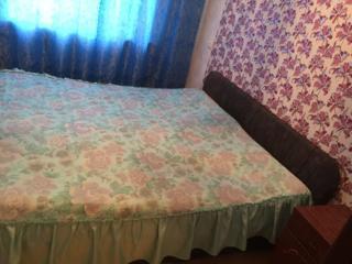 Кровать 1800х2000 двуспальная с подъемным механизмом.