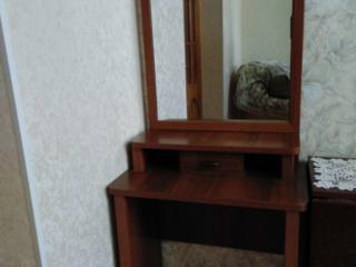 Продам - шкаф, карнизы, матрас на кровать полки, трюмо, журн. столик