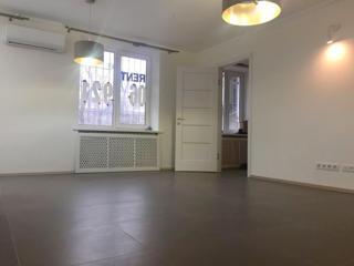 Сдается под офис 2-комнатная студия в самом центре Кишинева