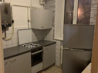 Se da in chirie apartament 2 Camere (Salon +Dormitor) sec. Riscanovca
