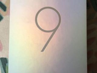 Xiaomi Mi 9 6Gb / 64Gb - 290€.