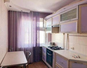 Продаю 2 комнатн. квартиру, Намыв, ул. Лазурная (красивый вид на реку)