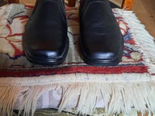 Продаю новые кожаные туфли, полиуретановая подошва 42 размер