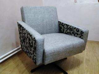 Продам мягкое крутящееся кресло.