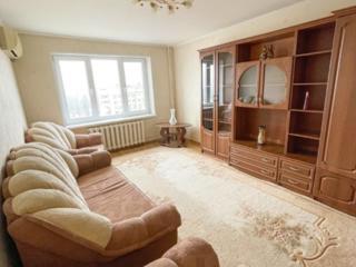 Продаётся 3-комнатная квартира г. Бельцы
